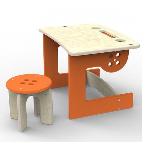 Stolik i stołeczek